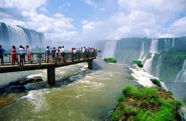 Viaje a Cataratas del Iguazu desde Cordoba en bus - Buteler Viajes