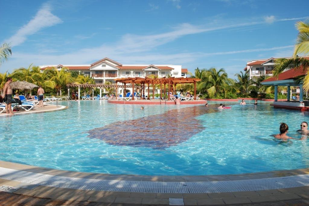 VIAJE GRUPAL A CUBA ENTRE AMIGOS ALL INCLUSIVE - Cayo Santa Maria  / Cienfuegos / La Habana / Santa Clara / Trinidad / Varadero /  - Buteler Viajes
