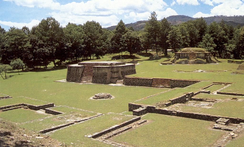 VIAJES GRUPALES A GUATEMALA DESDE CORDOBA - Antigua Guatemala / Chichicastenango  / Ciudad de Guatemala  / Flores / Panajachel  / Santiago Atitlán  / Tikal /  - Buteler Viajes
