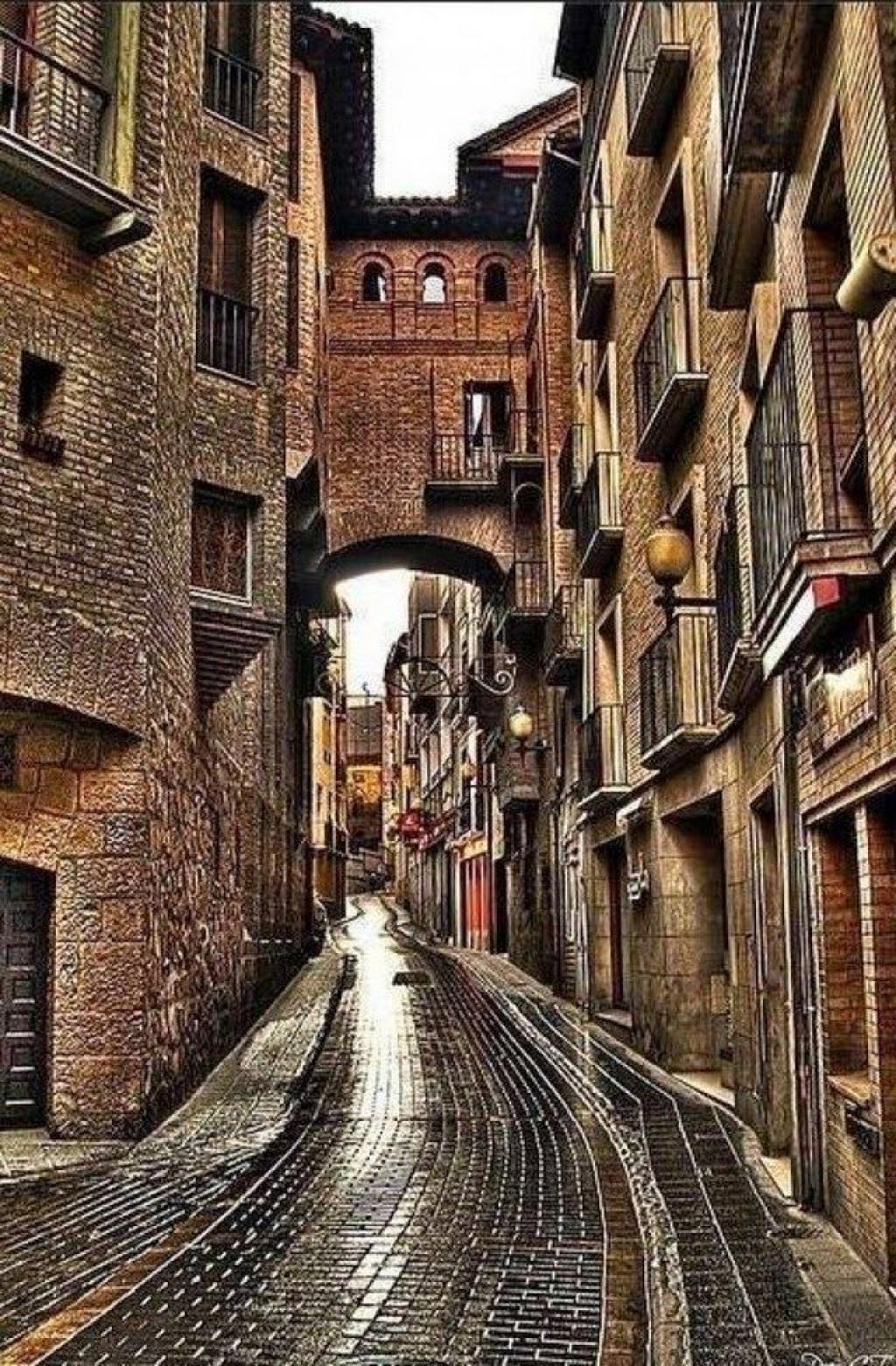 VIAJE GRUPAL A EUROPA DESDE BUENOS AIRES - Barcelona / Madrid / Niza / París / Londres / Asís / Florencia / Milan / Roma / San Gimignano / Venecia /  - Buteler Viajes