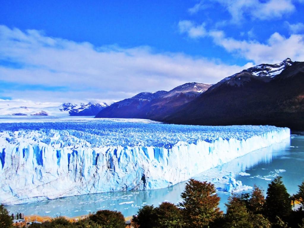 VIAJES GRUPALES EN BUS A LA CORDILLERA PATAGONICA DESDE CORDOBA - Bariloche / El Calafate / Puerto Madryn / Ushuaia /  - Buteler Viajes
