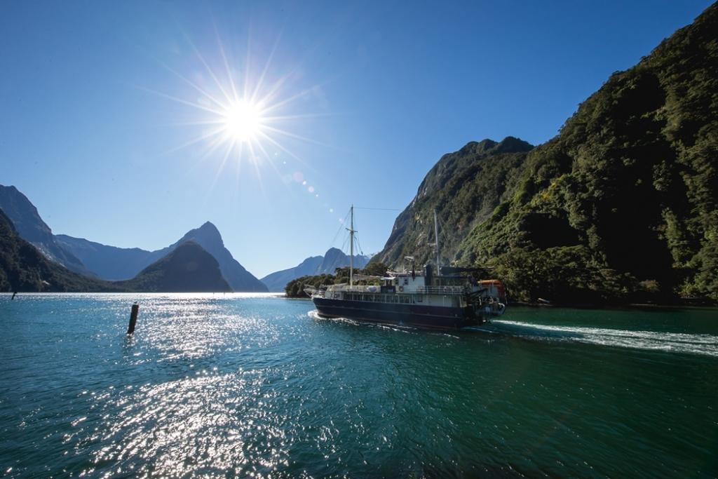 VIAJES GRUPALES A AUSTRALIA Y NUEVA ZELANDA DESDE ARGENTINA - Cairns / Sydney / Aukland / Cuevas de Waitomo / Matamata / Rotorua /  - Buteler Viajes